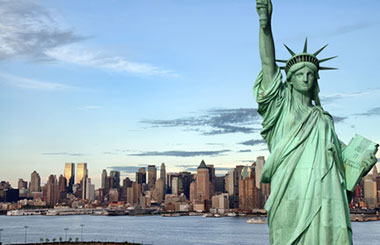 Tour the Big Apple! Take a scenic boat cruise with close-up 